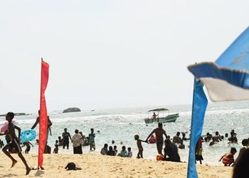 hikkaduwa-beach-activities