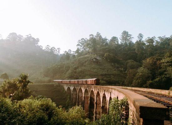 sri lanka train travels